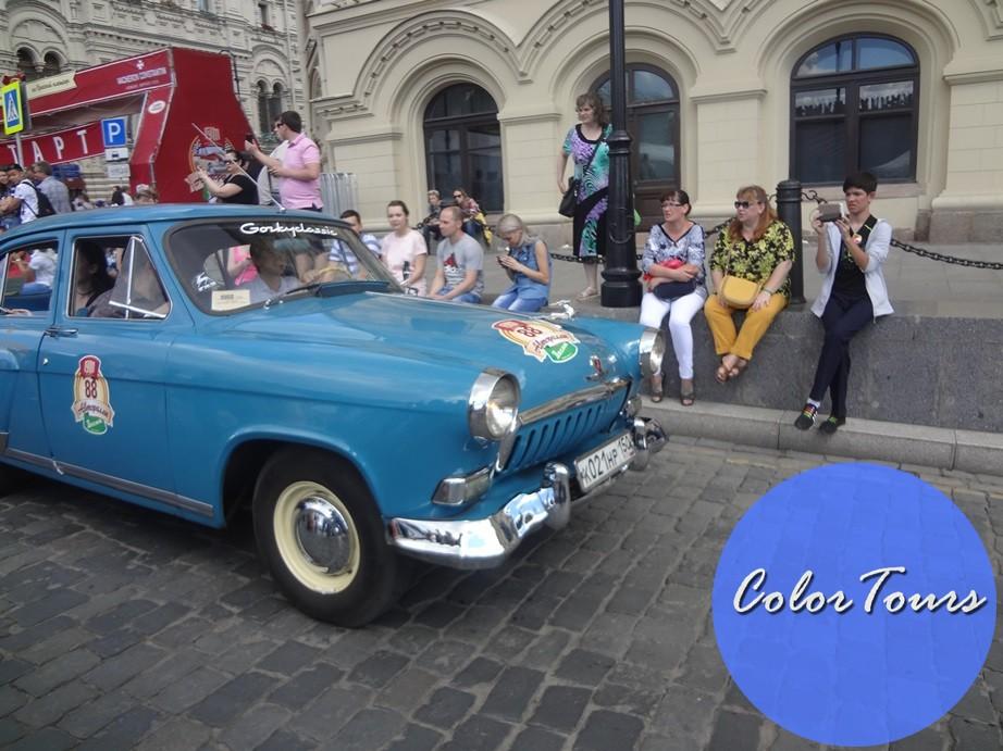 парад ретро-машин в Москве