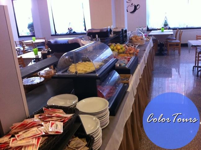 Завтрак в отеле Junior Римини