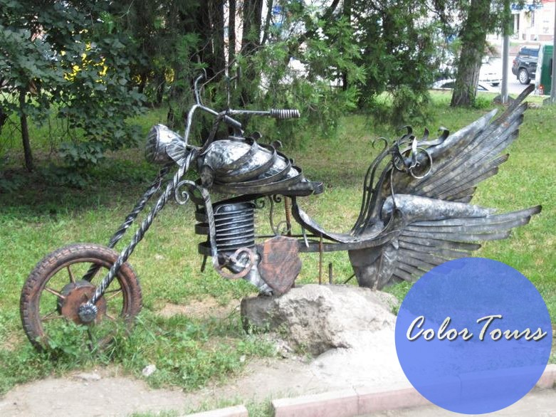 Парк кованных фигур в Симферополе