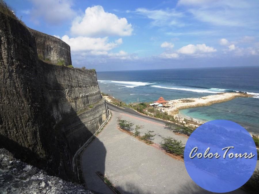 Дорога к пляжу Меласти на Бали