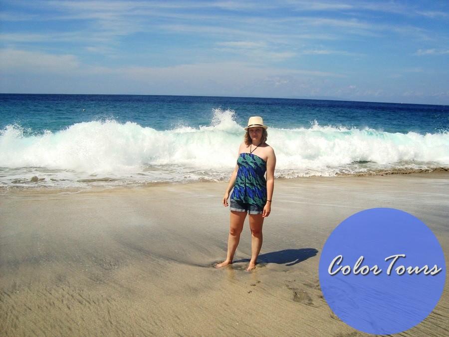 Пляж с белым песком на Бали