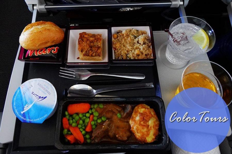Еда в самолётах Qatar Airways