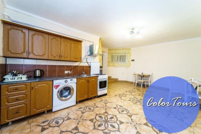 Общая кухня в гостевом доме Alina Витязево