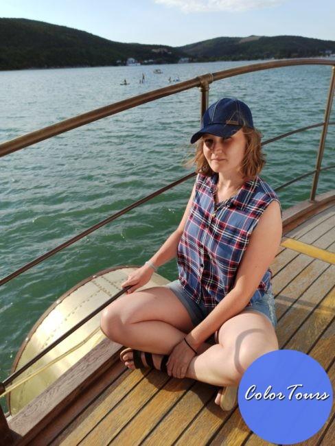 Прогулка на теплоходе по озеру Абрау